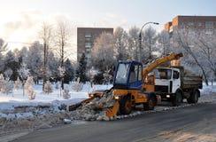 Mechanisierter Schneeausbau. Lizenzfreie Stockfotografie