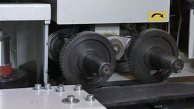 Mechanisms and details of machine wood CNC.
