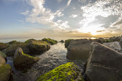 Mechate skały i morze Zdjęcie Stock