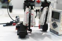 Mechatronics ρομποτικής παραμονής Lego έννοια συνελεύσεων Στοκ Εικόνες