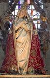 Mechele -哀痛的夫人的被雕刻的雕象在外套的在教会里我们的横跨de Dyle的夫人 免版税库存图片