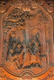 Mechelen - alivio tallado del milagro de multiplicar la comida de Ferdinand Wijnants en la iglesia de St Johns o Janskerk a parti Fotografía de archivo libre de regalías