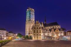 Mechelen Belgia, Maj, - 02, 2017: Grote Markt w Mechelen przy słońcem Obrazy Stock