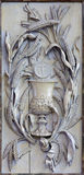 Mechelen - el alivio tallado del casquillo como símbolo del eucharist y del cuerpo de Jesus Christ en iglesia nuestra señora a tr imagen de archivo