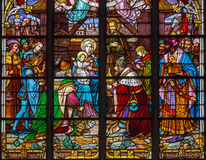Mechelen - plats för tre de tre vise männen från fönsterruta av domkyrkan för St. Rumbolds Arkivfoton