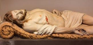 Mechelen - standbeeld van Jesus in het graf in de kerk van onze-Lieve-Vrouw n-Hanswijkbasiliek Stock Afbeelding