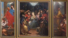 Mechelen - Tryptich da cena do domingo de Pentecostes por pintor desconhecido na igreja ou no Janskerk de St Johns Foto de Stock