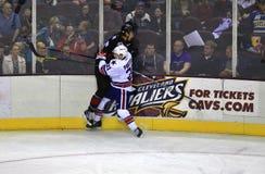 Mecz hokeja na lodowym lodowisku Fotografia Royalty Free