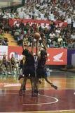 Mecz koszykówki między szkołą średnią Zdjęcia Stock