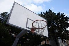 Mecz koszykówki w kwadracie fotografia stock
