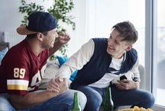 mecz ogląda piłki nożnej Obraz Royalty Free