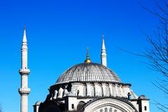 Meczety i niebieskie niebo fotografia stock