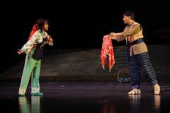 Med en gåvaJiangxi opera en besman Arkivbilder