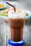 Med is mjölka choklad med sugrör Royaltyfri Fotografi