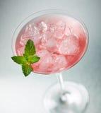 Med is rosa coctail royaltyfri foto
