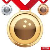 Medaglia d'oro con il simbolo di un bowling dentro Fotografia Stock