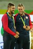 Medaglie bronzee Steve Johnson (l) e Jack Sock degli Stati Uniti durante la cerimonia della medaglia dopo il finale dei doppi deg Immagini Stock Libere da Diritti