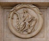 Medaillon-Gerechtigkeit auf dem Palazzo Montecitorio, Sitz der italienischen Abgeordnetenkammer in Rom lizenzfreies stockbild
