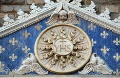 Medaillon met het ZIJN monogram tussen twee leeuwen, Palazzo Vecchio in Florence stock afbeelding