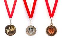 A medalha ajustou a fita branca vermelha imagens de stock