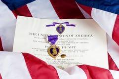 Medalha do coração roxo Fotos de Stock Royalty Free