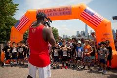 Medalhas da raça de obstáculo do desafio da cidade da juventude fotos de stock