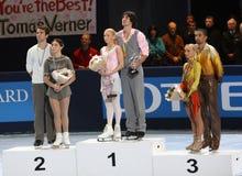 Medalheiros na patinagem dos pares Fotografia de Stock