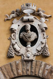 Medalion auf das Gebäude-Santa Maria dei Fiore, Florenz des Museums Lizenzfreie Stockfotos