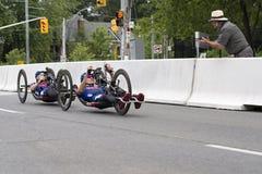 Medaljörer i det Handcycle loppet - ParaPan f.m. lekar - Toronto Augusti 8, 2015 Arkivbilder