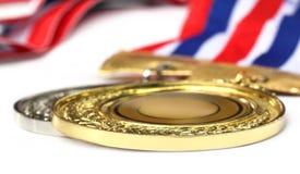 Medalj över vit bakgrund fotografering för bildbyråer