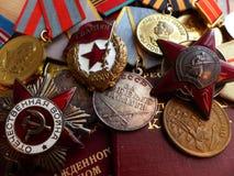 Medalj`en för försvaret av Stalingrad `, beställning av den röda stjärna`en för `, ` den stora patriotiska krig`en, ett tecken av Royaltyfri Foto