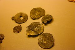 Medaljer och forntida mynt av de femton hundrana arkivbilder