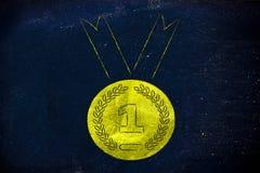 Medalla de oro, símbolo de los logros del deporte y metáfora del éxito Fotografía de archivo libre de regalías