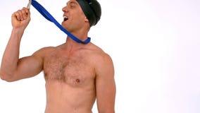 Medalla que se besa del nadador feliz almacen de metraje de vídeo