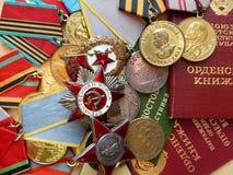 Medalu ` Dla obrony Stalingrad `, rozkaz ` rewolucjonistki gwiazdy `, ` Wielki Patriotyczny Wojenny `, znak ` Chroni ` i medale Fotografia Stock