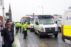 Medborgare Front Demonstration med stor polisnärvaro Royaltyfri Fotografi