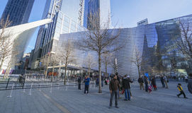 Medborgare September 11 som är minnes- och museum på ground zero Manhattan MANHATTAN - NEW YORK - APRIL 1, 2017 Royaltyfria Foton
