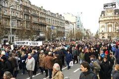 Medborgare som går på Bryssel på söndag, Januari 11, 2015 Royaltyfria Foton