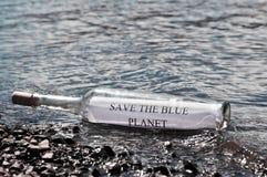 Meddelande i en flaska Royaltyfria Bilder