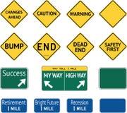Meddelanden för vägvarningstecken arkivbild