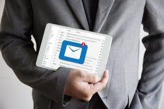 Meddelandet för postkommunikationsanslutning till att posta kontakter ringer Royaltyfria Foton