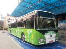 Mede Loxley , Ltd het openen van een eerste elektrische bus Royalty-vrije Stock Fotografie
