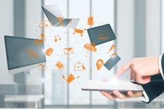 Mededeling, technologie en gadgetconcept Stock Foto