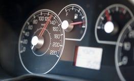 medel för speedometer för hastighet för shows för rotationer för bilmotor Royaltyfri Bild