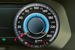 medel för speedometer för hastighet för shows för rotationer för bilmotor Arkivbild