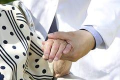 Medelevende handen stock afbeeldingen