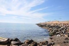 Medelhav på en solig dag Yachter i havet Arkivbilder