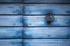 Medelhavs- dörr för gammal stad arkivfoto