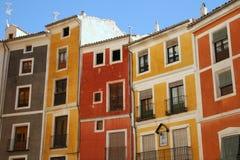 medelhavs- färgrika hus Arkivbild