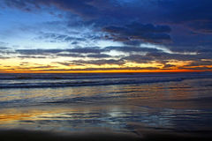 medelhavs- havssolnedgång Fotografering för Bildbyråer